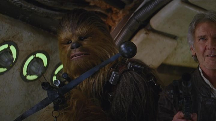 Fashion Trends 2021: the bow of Chewbacca in Star Wars VII