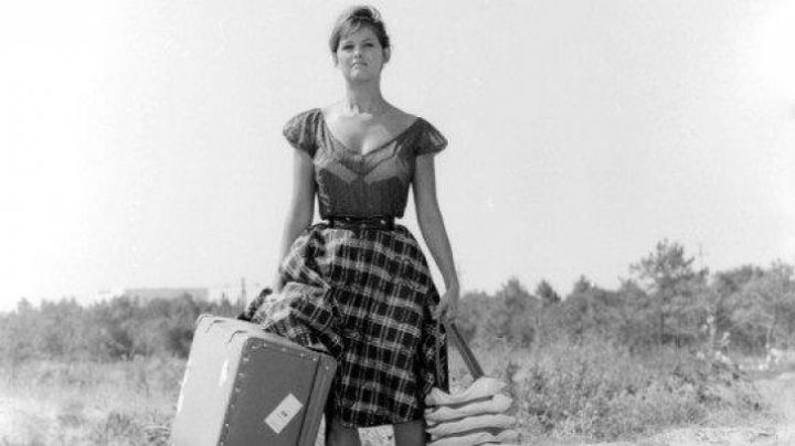 the bra pointy toe vintage Claudia Cardinale in girl with a suitcase - Movie Outfits and Products