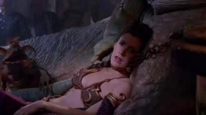 the bracelet from the arm to the painting of Leia (Carrie Fisher) in Star Wars VI : return of The Jedi - Movie Outfits and Products