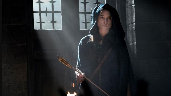 the cape hoody Astrid Bergès-Frisbey in The King Arthur: The Legend of Excalibur - Movie Outfits and Products