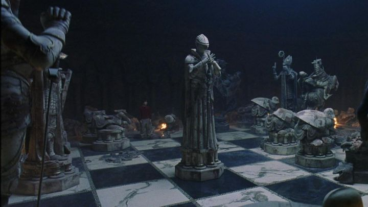 the chessboard version Wizards Giants in Harry Potter and the sorcerer's stone - Movie Outfits and Products