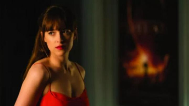 the contour of the lips, Anastasia Steele ( Dakota Johnson ) 50 shades darker - Movie Outfits and Products