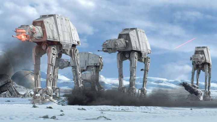 Fashion Trends 2021: the costume (version dog) of an AT-AT in Star Wars V : The Empire strikes back
