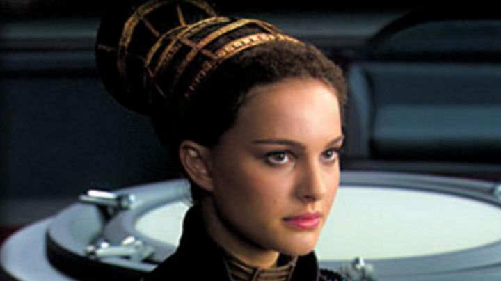 The Cuff of Padme Amidala (Natalie Portman) in Star Wars II : attack of The clones - Movie Outfits and Products