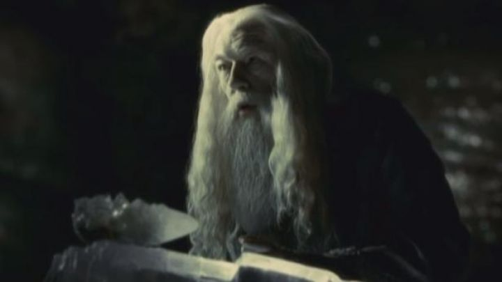 the cut of crystal used by Albus Dumbledore (Michael Gambon) in Harry Potter and the Prince half Blood Movie