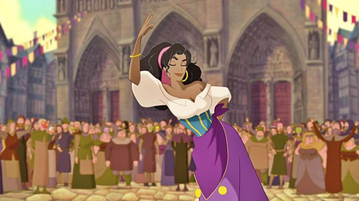 the dress of Esmeralda in the cartoon the hunchback of Notre-Dame - Movie Outfits and Products