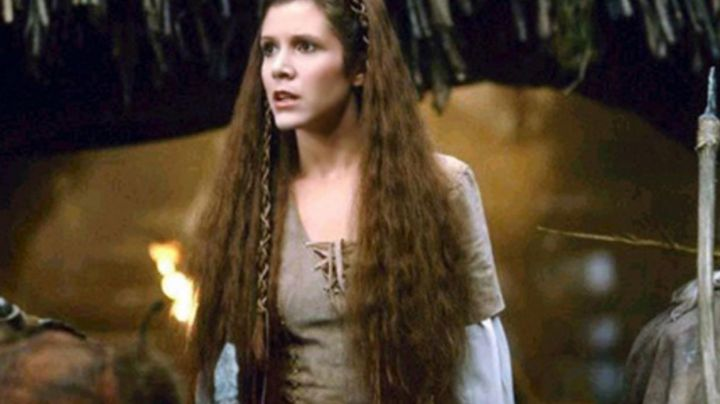 the dress of Princess Leia (Carrie Fisher) in the Ewok in star wars - Movie Outfits and Products