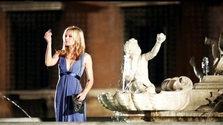 Fashion Trends 2021: the evening dress of Kristen Bell in When in Rome