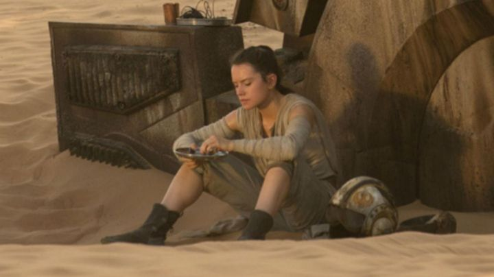 Fashion Trends 2021: the helmet of Rey (Daisy Ridley in Star Wars VII : The awakening of the force