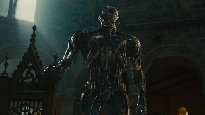the helmet of Ultron (James Spader) in Avengers : Age of Ultron Movie