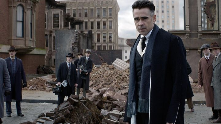 the mantle of Serious Percival (Colin Farrell) in Fantastic Animals movie