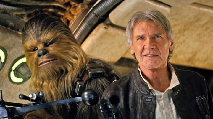 Fashion Trends 2021: the mask of Chewbacca in Star Wars VII : The awakening of the force