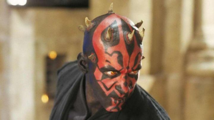 Fashion Trends 2021: the mask of Darth Maul (Ray Park) in Star Wars I : The phantom menace