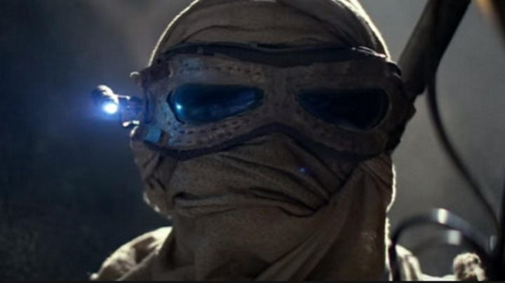the mask of Rey (Daisy Ridley in Star Wars VII : The awakening of the force - Movie Outfits and Products