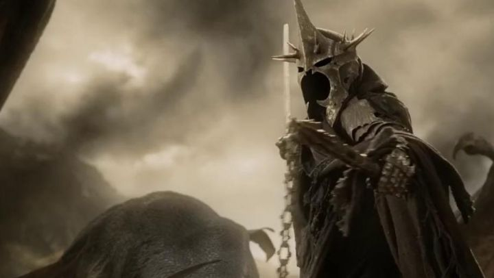 the mask of the Witch-King of Angmar (Lawrence Makoare) in The lord of the rings : the return of The King Movie