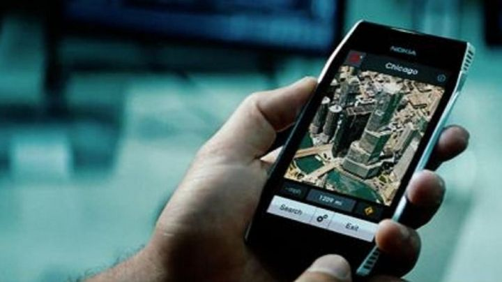 the mobile phone Nokia X7 Shia LaBeouf in Transformers 3 - Movie Outfits and Products