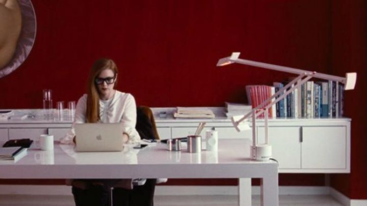 the notebook of Susan Morrow (Amy Adams) in Nocturnal Animals - Movie Outfits and Products