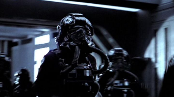 Fashion Trends 2021: the outfit of Pilot officer in Star Wars VII : The awakening of the Force