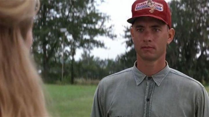 the red cap Bubba Gump from Forrest Gump (Tom Hanks) in Forrest Gump
