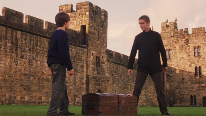 the set of Quidditch Oliver Wood (Sean Biggerstaff) in Harry Potter and the sorcerer's stone - Movie Outfits and Products