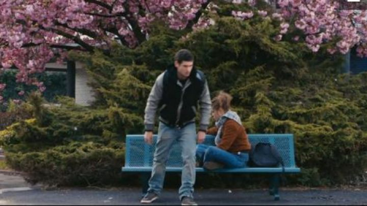 the sneakers of Thomas (Jérémie Laheurte) in The life of Adèle - Movie Outfits and Products