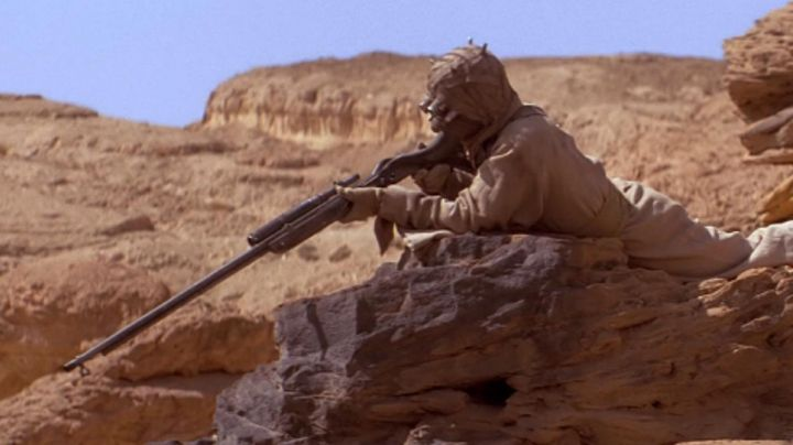 the sniper Rifle Tusken Raider in Star Wars IV : A new hope - Movie Outfits and Products