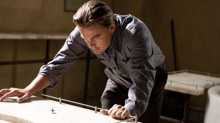 the spinning top of Dominic Cobb (Leonardo DiCaprio) in Inception movie