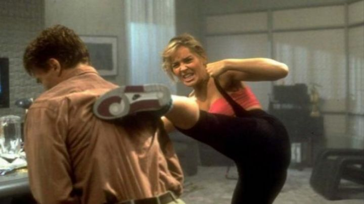 the sports outfit of Sharon Stone in Total recall - Movie Outfits and Products