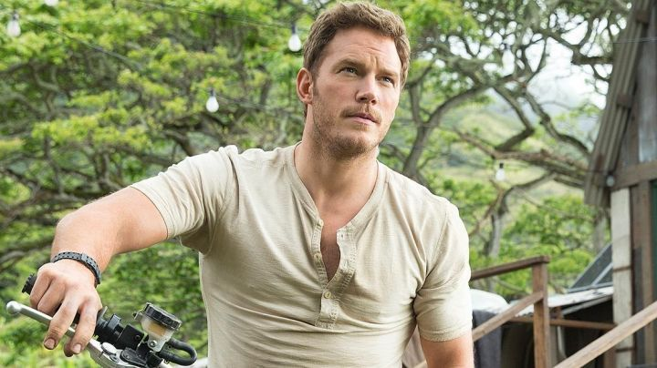 the t-shirt Owen Grady (Chris Pratt) in Jurassic World - Movie Outfits and Products