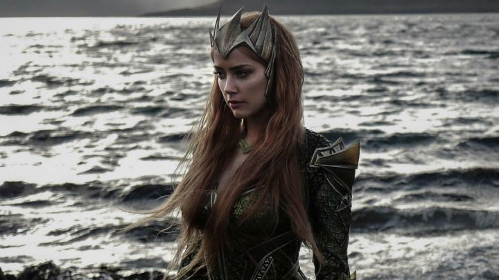 the tiara of Mera (Amber Heard) in Justice League Movie