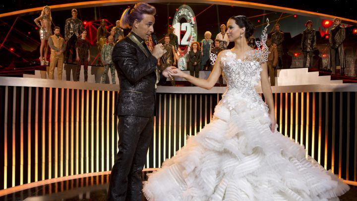 the wedding dress worn by Katniss Everdeen (Jennifer Lawrence) in Hunger Games : The Kindling Movie
