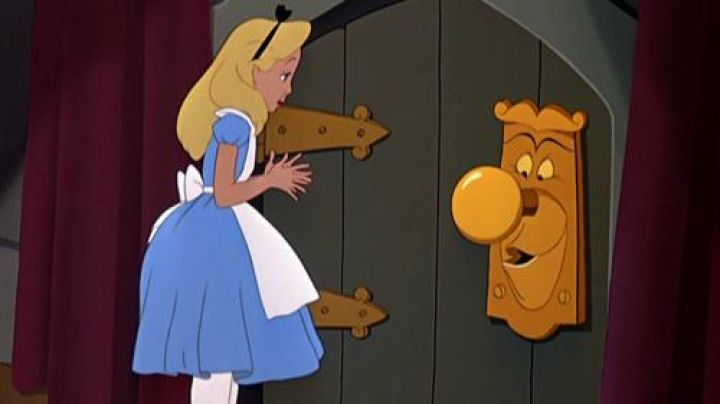 the wrist-to-door in Alice in wonderland - Movie Outfits and Products