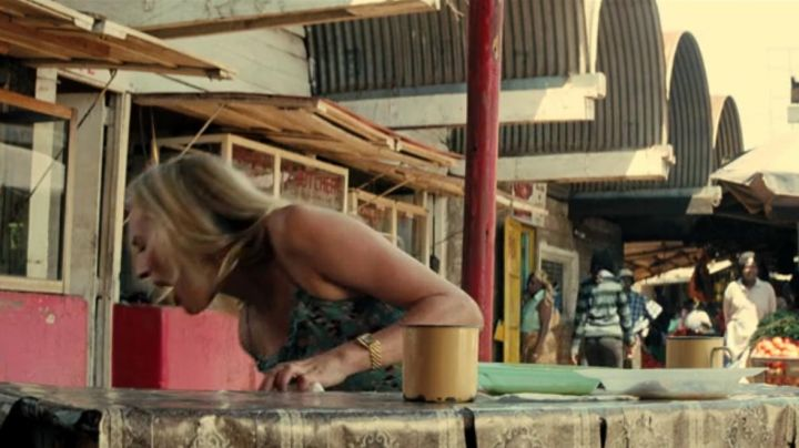 watch Isabelle (Diane Kruger) in A perfect plan - Movie Outfits and Products