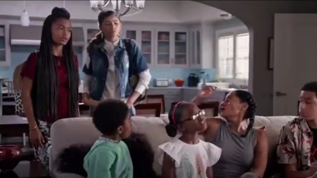 7 For All Mankind Floral Print Skinny Jeans outfit worn by Zoey Johnson (Yara Shahidi) in black-ish (S02E04) - TV Show Outfits and Products