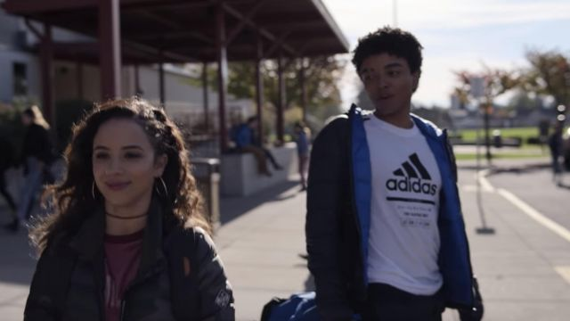 Adidas White T-shirt outfit worn by Noah Simos (Odiseas Georgiadis) in Trinkets (S01E06) - TV Show Outfits and Products