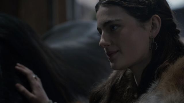Aethelflaed's (Millie Brady) ring drop earrings as seen in The Last Kingdom S03E05 - TV Show Outfits and Products