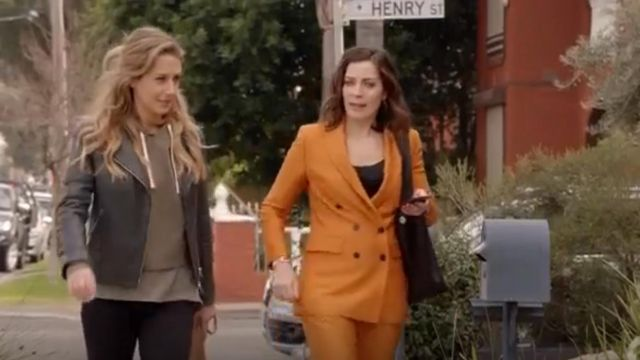 Allsaints Beattie Leather Jacket outfit worn by Jessie Davies (Isabella Giovinazzo) in Playing for Keeps Season 02 Episode 01 - TV Show Outfits and Products