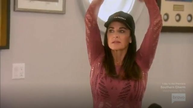 Alo Yoga Wanderer Long Sleeve outfit worn by Herself (Kyle Richards) in The Real Housewives of Beverly Hills (S09E14) - TV Show Outfits and Products