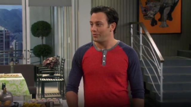 Alternative 3/4 Sleeve Two Tone Henley Tee outfit worn by Josh Kaminski (Jonathan Sadowski) in Young & Hungry (S01E04) - TV Show Outfits and Products