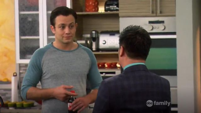 Alternative Baseball Tee outfit worn by Josh Kaminski (Jonathan Sadowski) in Young & Hungry (S01E05) - TV Show Outfits and Products