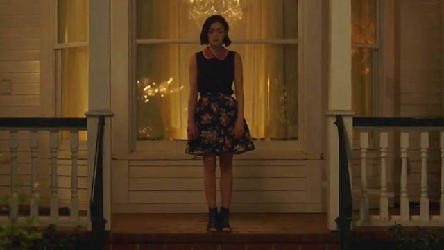 Fashion Trends 2021: Ankle boots with lace-up Jeffrey Campbell, Stella Abbott (Lucy Hale) Life Sentence Season 1 Episode 1