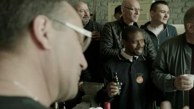 Fashion Trends 2021: Badge round CFDT workers Clamex in Baron Black Season 1 Episode 1