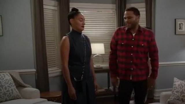 Bandolier Crossbody Phone Case and Wallet outfit worn by Rainbow Johnson (Tracee Ellis Ross) in black-ish (S03E09) - TV Show Outfits and Products