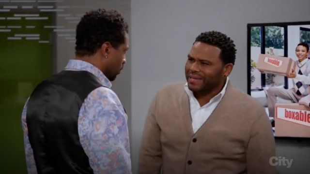 Barneys New York Cashmere V Neck Cardigan outfit worn by Andre 'Dre' Johnson (Anthony Anderson) in black-ish (Season 03 Episode 17) - TV Show Outfits and Products