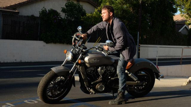 Bike of Bob Lee Swagger (Ryan Phillippe) seen in Shooter Season 1 Episode 3 - TV Show Outfits and Products
