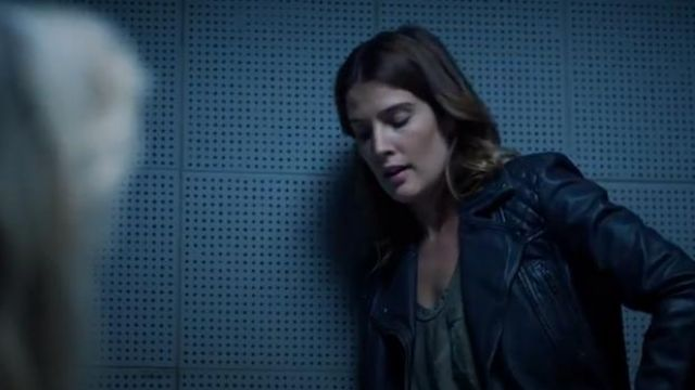Black Cargo Leather Jacket outfit worn by Dex Parios (Cobie Smulders) in Stumptown Season 1 Episode 6 - TV Show Outfits and Products