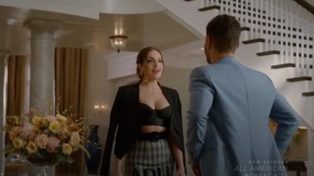 Black Lloyd Blazer outfit worn by Fallon Carrington (Elizabeth Gillies) in Dynasty Season 3 Episode 5 - TV Show Outfits and Products