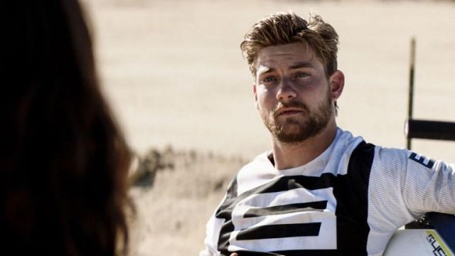 Black and white tee outfit worn by Deran Cody (Jake Weary) as seen in Animal Kingdom S03E09 - TV Show Outfits and Products