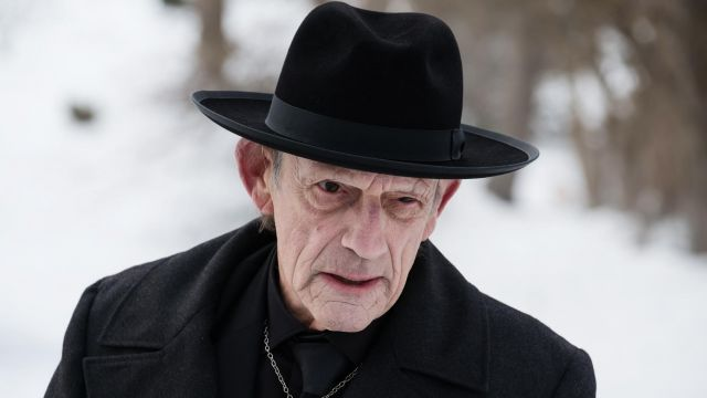 Black hat of Zalmon Shaw (Christopher Lloyd) seen in 12 Monkeys Season 3 Episode 6 - TV Show Outfits and Products