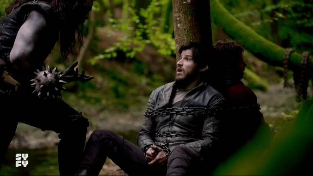 Black leather jacket outfit worn by Seg-El (Cameron Cuffe) as seen in Krypton (S02E02) - TV Show Outfits and Products